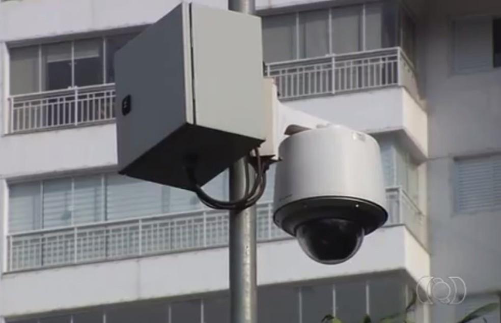 Sistemas de vigilância têm substituído trabalhos tradicionalmente executados por policiais — Foto: Reprodução/TV Anhanguera