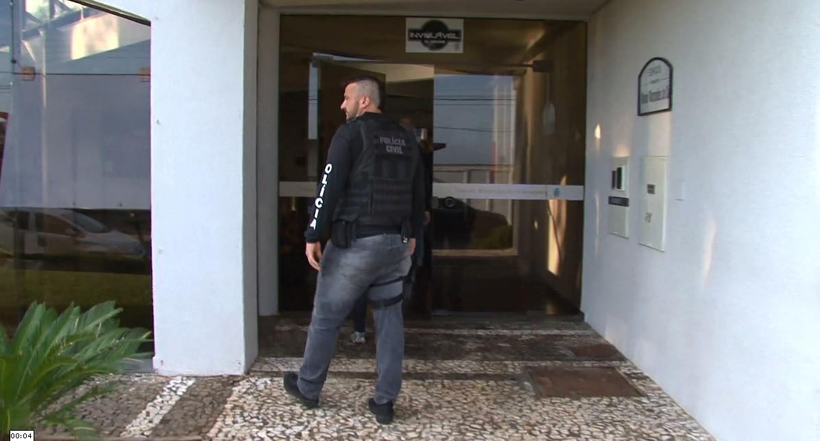 Operação que investiga venda de medicamento abortivo cumpre mandado de busca na Câmara de Guarapuava