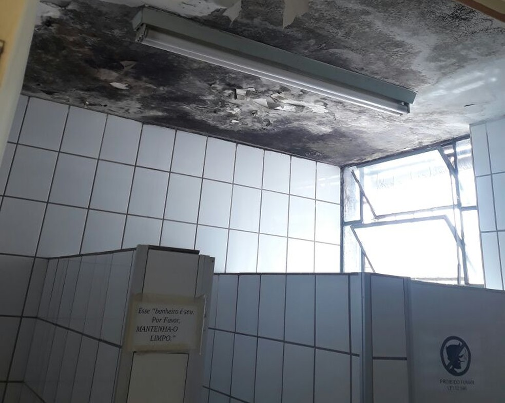 Problemas de estrutura no prédio do IBGE na Asa Sul, em Brasília (Foto: Arquivo pessoal)