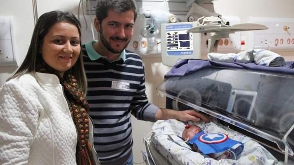 Rafael e Carina com a pequena Antonela: