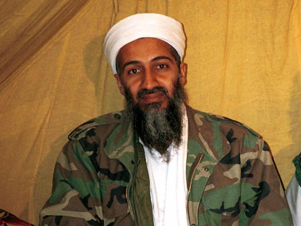 Osama bin Laden coordenou o ataque de 11 de setembro de 2001 aos EUA — Foto: AP