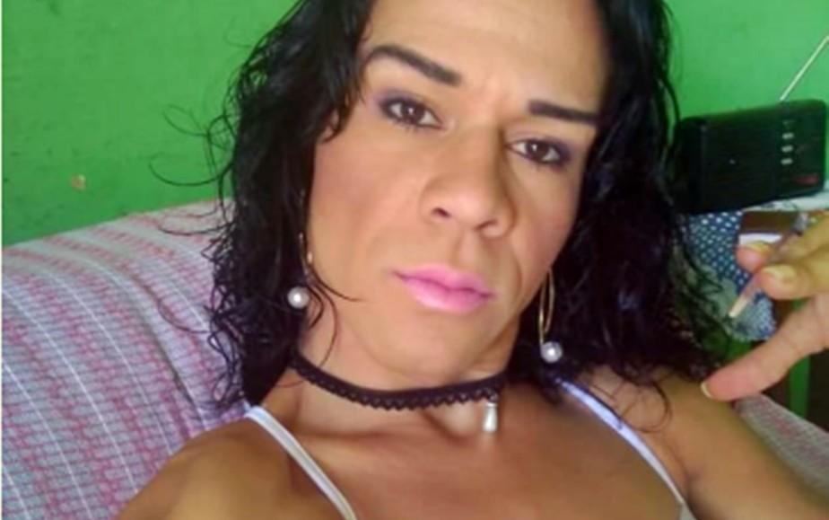 Mulher transexual é morta por dono de bar após briga em Alfenas, MG