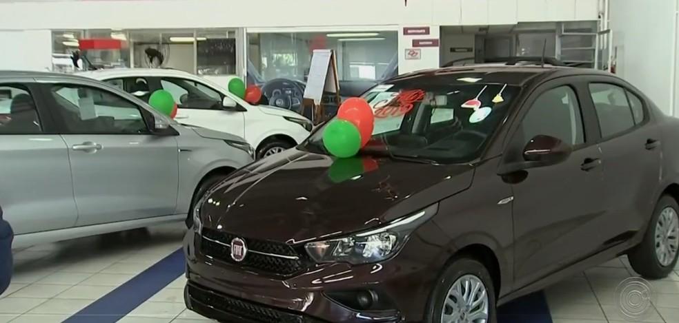 Loja de automóveis. — Foto: Reprodução/TV TEM