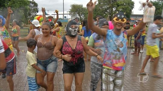 Blocos de rua fazem carnaval alternativo em Santarém
