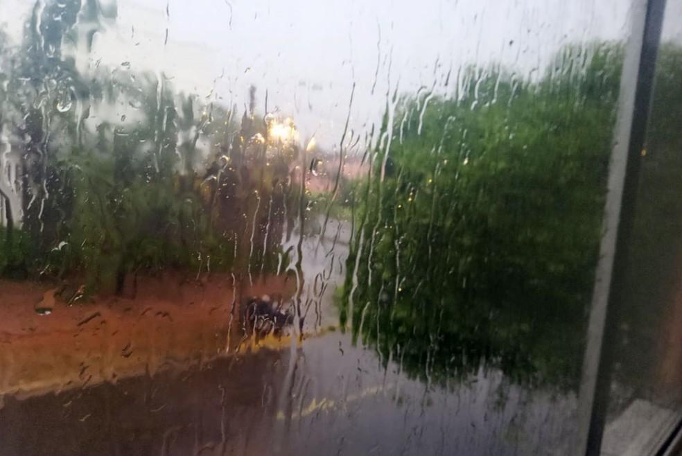 Chuva em Presidente Prudente — Foto: Rosiane Regina Maziero /Cedida