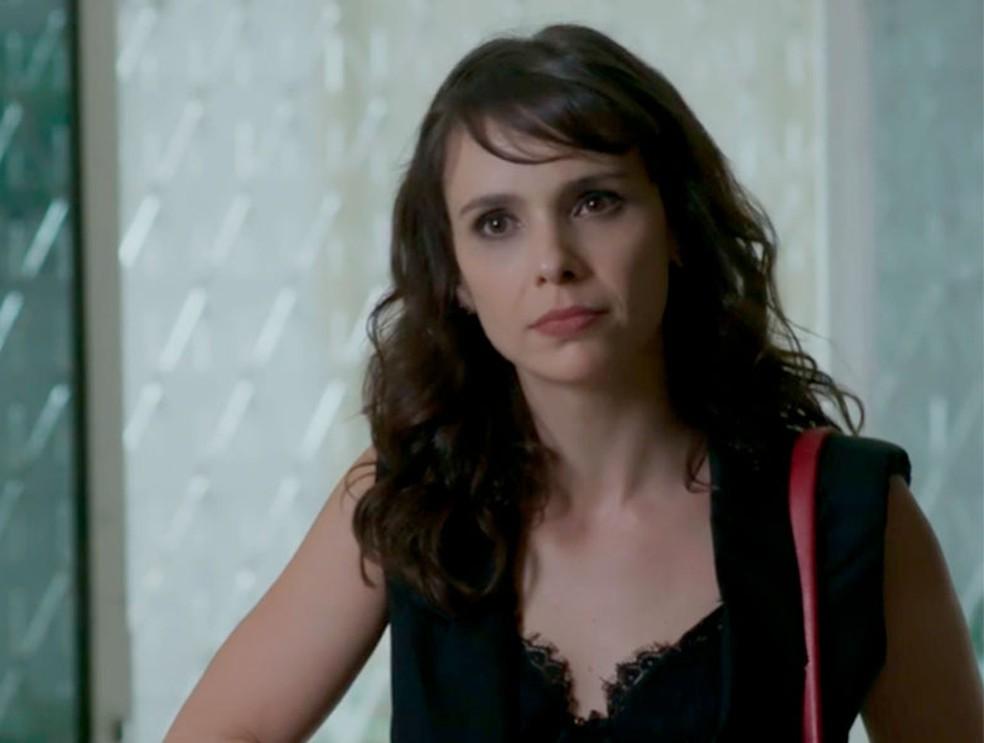 Em 'A Força do Querer', Irene (Débora Falabella) morre — Foto: Globo