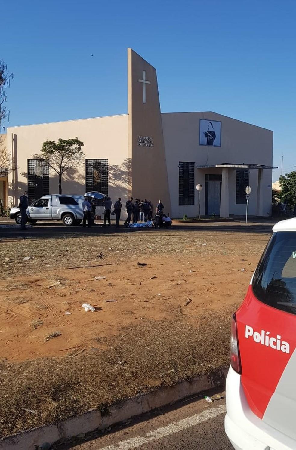 Homem, de 27 anos, foi morto a tiros na tarde deste domingo (25) em Marília (SP) por atual companheiro da ex-mulher — Foto: Marília Notícias/ Divulgação