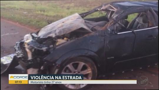 Homem morre após capotar carro em rodovia entre Miguelópolis e Guaíra, SP
