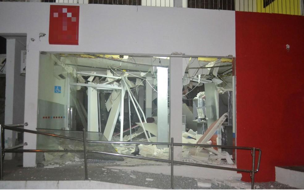 Agência depois da explosão (Foto: Berimbau Notícias)