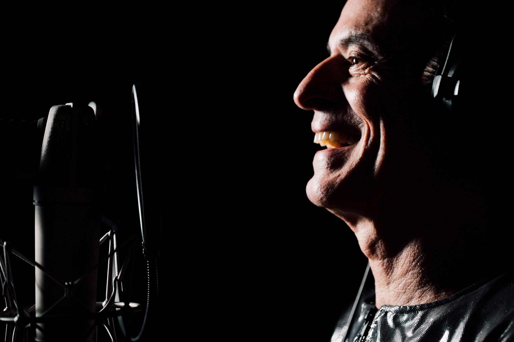 Ney Matogrosso fica nu com a música de Caetano Veloso no primeiro EP da carreira