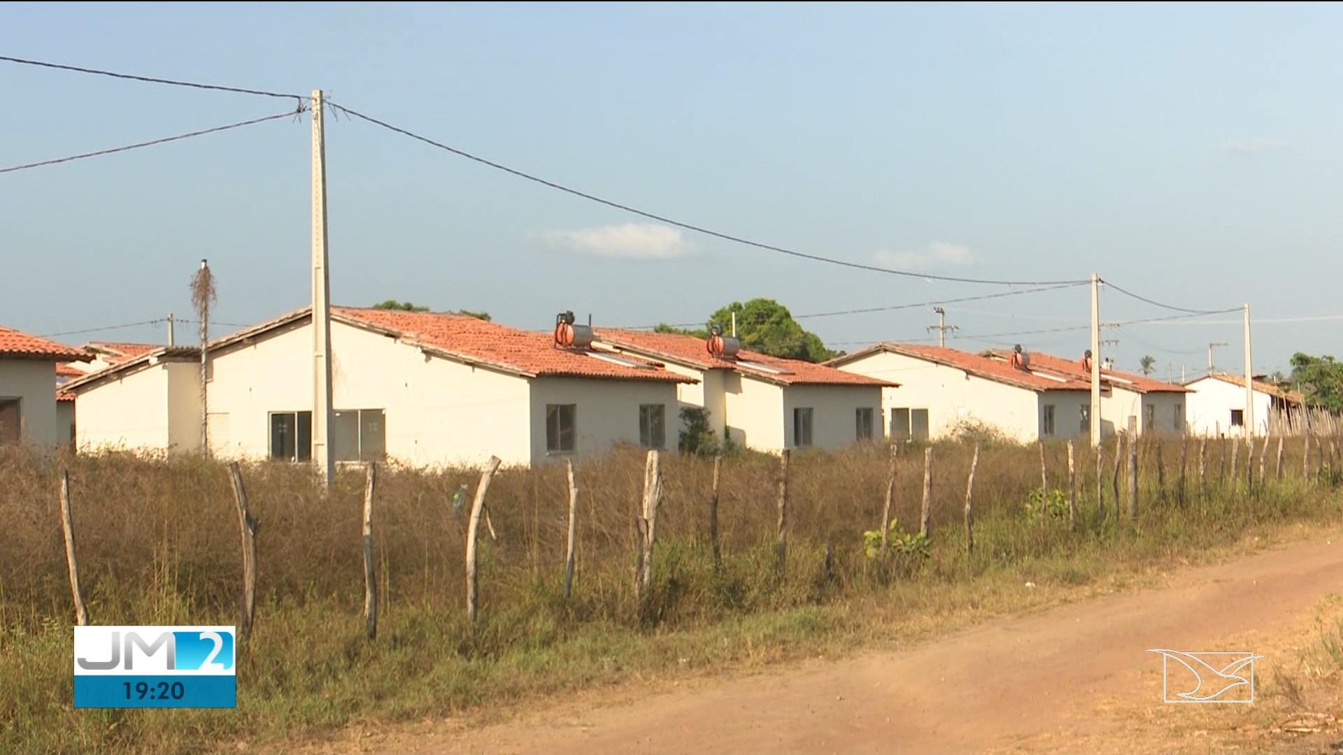 Famílias denunciam abandono de casas do 'Minha Casa, Minha Vida' em Zé Doca, no MA - Notícias - Plantão Diário
