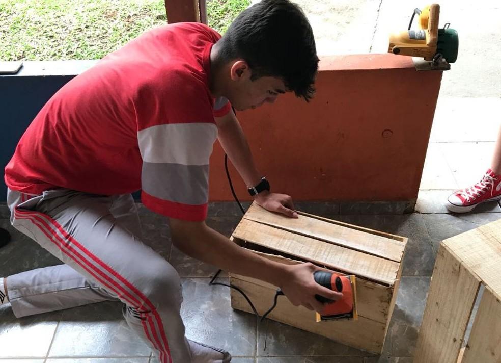 Estudantes são incentivados a criar própria empresa e vão vender os produtos (Foto: Bruno Rocha/Arquivo pessoal )