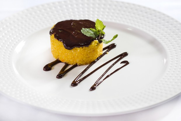 Receita de bolo de cenoura com massa de tapioca (Foto: Cristiano Lopes/Divulgação)