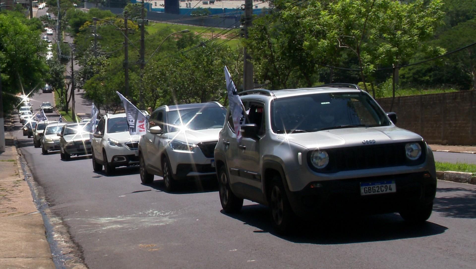 Em carreata em Presidente Prudente, manifestantes pedem o impeachment de Jair Bolsonaro