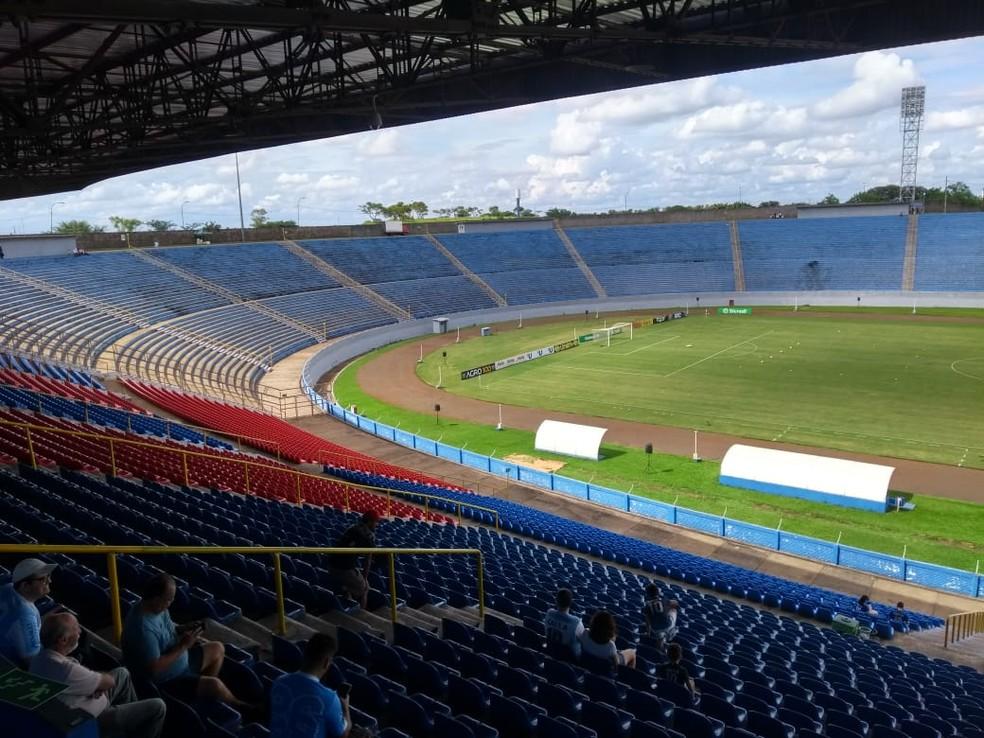 Jogo será no Estádio do Café, em Londrina — Foto: Leopoldo Karam/RPC