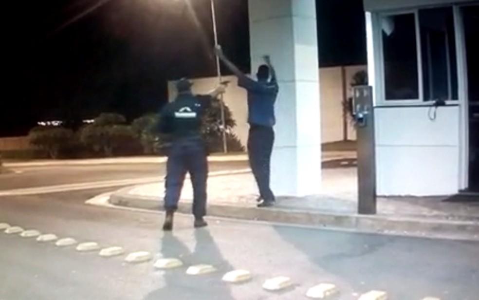 Porteiro é morto por colega segurança em condomínio de Itumbiara — Foto: Divulgação/Polícia Civil