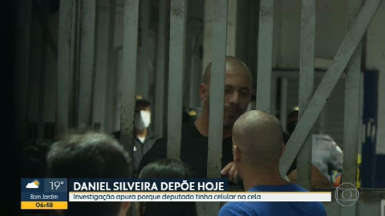 Polícia Federal ouve Daniel Silveira sobre celulares encontrados na prisão