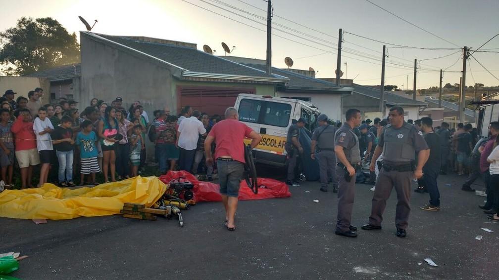 Menina morreu e pelo menos 10 pessoas ficaram feridas em Itapetininga (Foto: Paola Patriarca/G1)