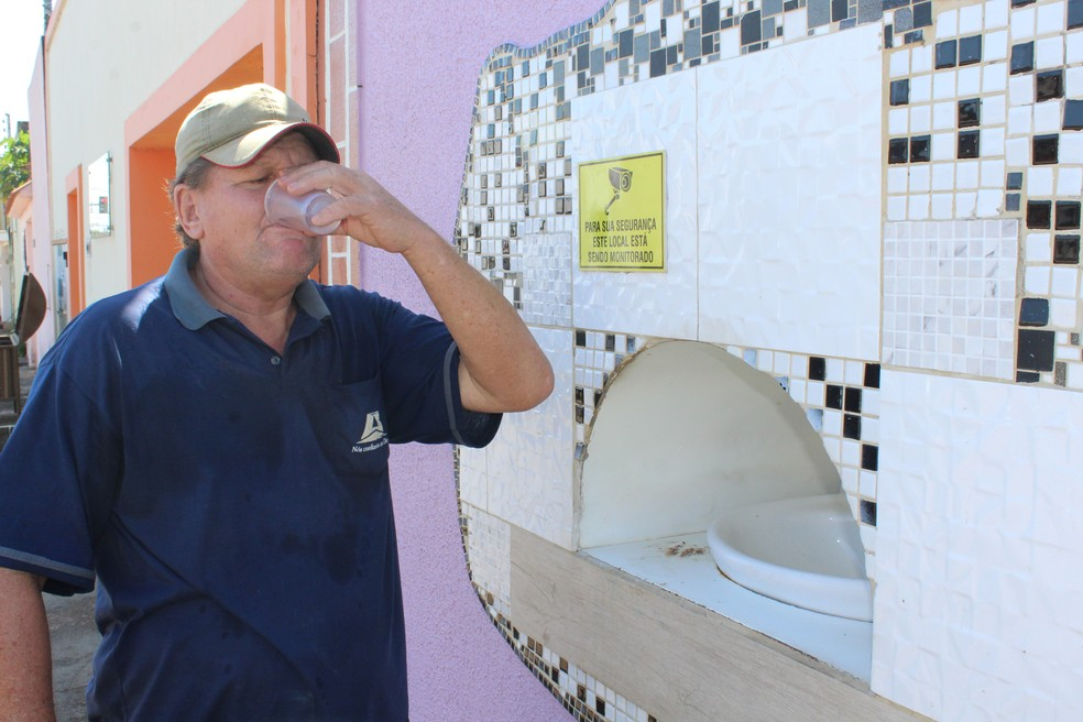 O auxiliar de serviços gerais Márcio Kluska aprovou a ideia.  — Foto: Diêgo Holanda/G1