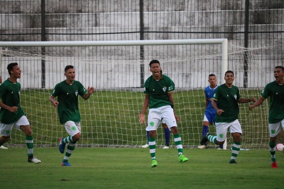 Poul decretou a vitória do Alecrim sobre Cruzeiro de Macaíba — Foto: Augusto César Gomes/GloboEsporte.com