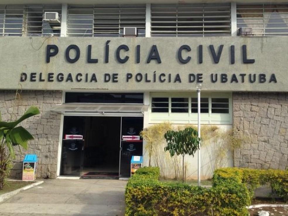 Assaltante está preso na delegacia em Ubatuba enquanto aguarda transferência para o CDP (Foto: Peterson Grecco/TV Vanguarda)