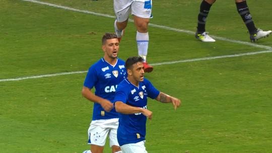 Robinho x Bruno Silva: disputa por vaga anima meia do Cruzeiro para 2018