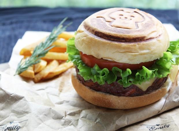 Receita de Hambúrguer, da chef Eliane Kina (Foto: Divulgação )