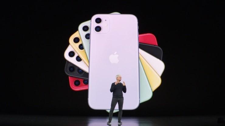 O CEO da Apple, Tim Cook, anuncia o novo iPhone 11. (Foto: Divulgação)