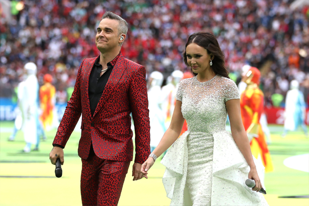 Aida Garifullina e Robbie Williams (Foto: Getty Images)