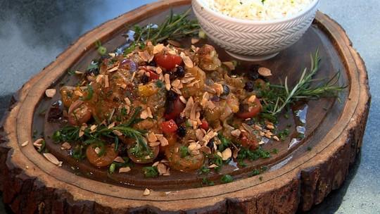 Frango marroquino é dica de prato saudável e colorido