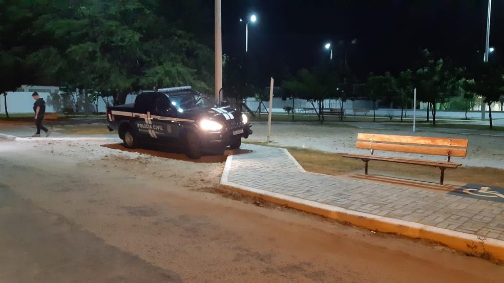 Crime aconteceu em praça do conjunto Nova Natal, na Zona Norte de Natal. — Foto: Sérgio Henrique Santos/Inter TV Cabugi