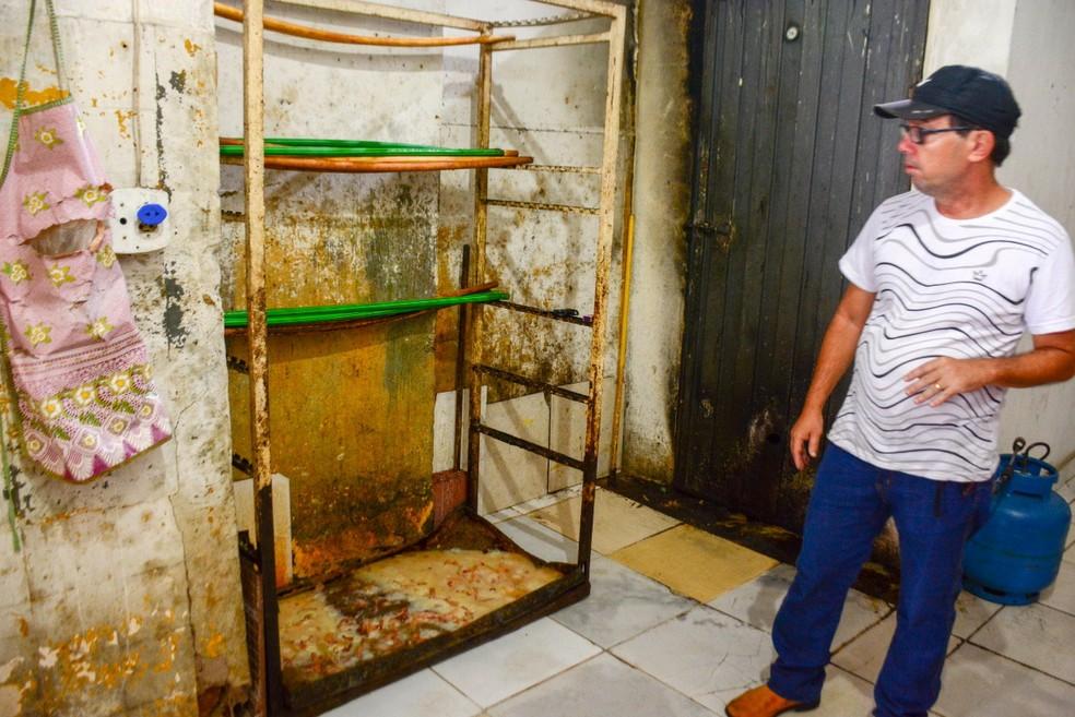 Fiscais notaram condições precárias de higiene no local (Foto: Prefeitura de Governador Valadares / Divulgação)