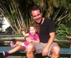 Jonas Torres com a filha, Nina | Arquivo pessoal