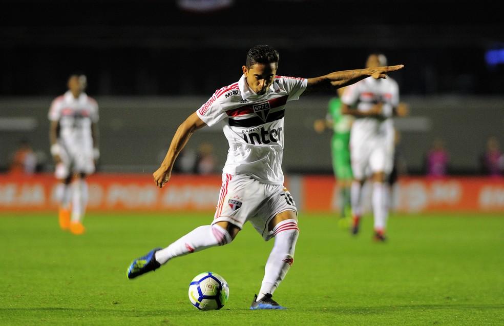 Everton Felipe fez apenas seis jogos pelo São Paulo — Foto: Marcos Ribolli