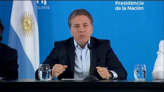 Argentina anuncia congelamento de preços de produtos essenciais e tarifas públicas