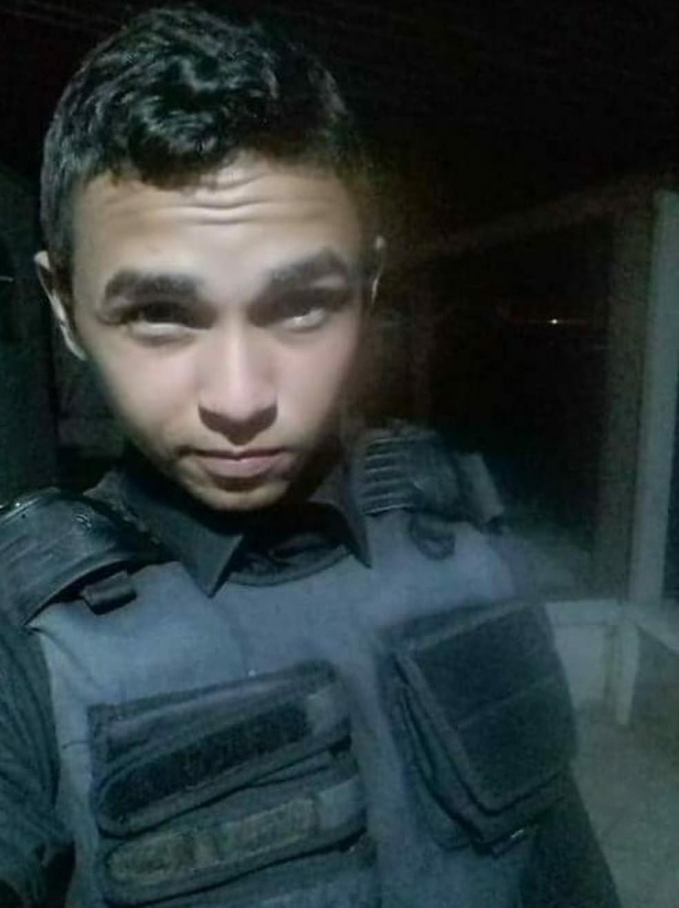 Jovem foi morto a tiros em Nísia Floresta (Foto: PM/Divulgação)