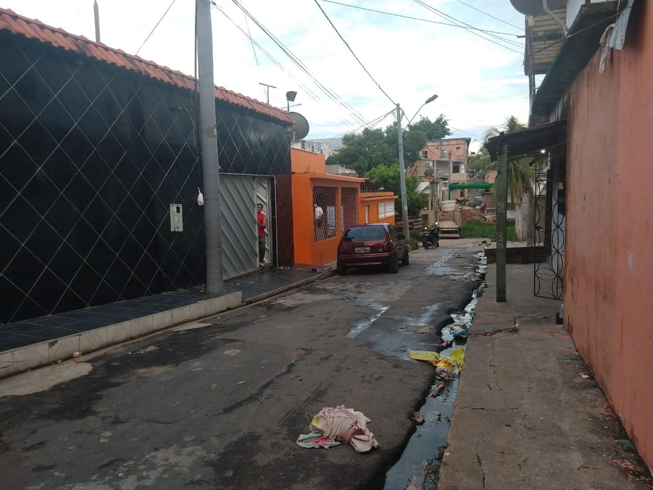 Adolescente é morto a tiros enquanto esperava amigo na calçada, em Manaus - Noticias
