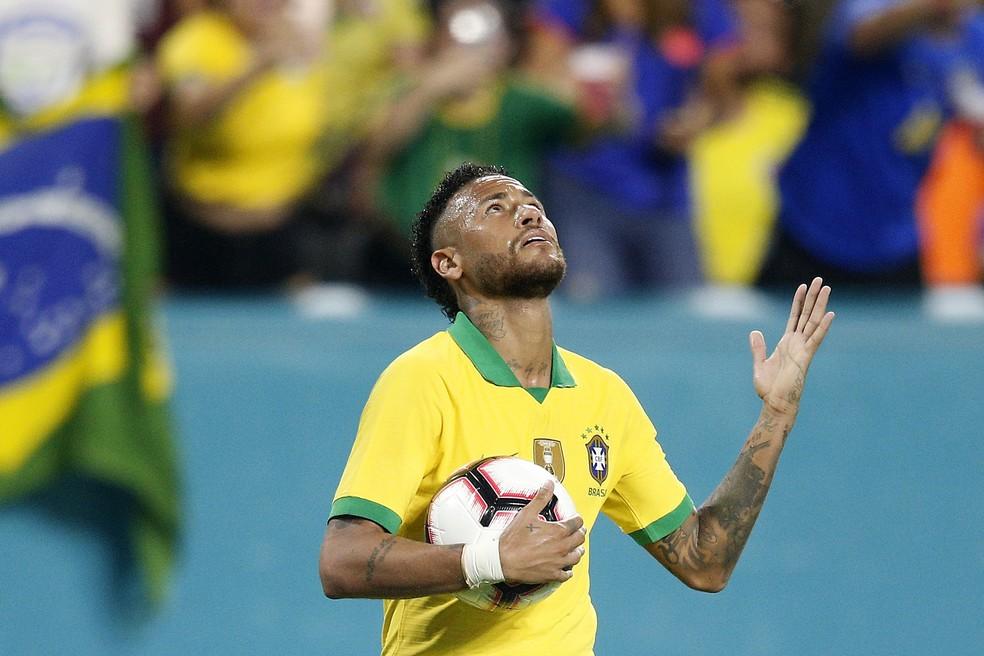 Para Jesus, Neymar precisa mudar a cabeça para ser o melhor — Foto: Michael Reaves/Getty Images