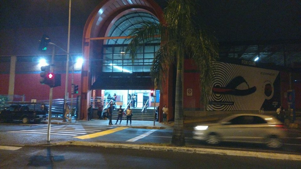 Lojas instaladas nos terminais de ônibus de Uberlândia têm horário de funcionamento alterado