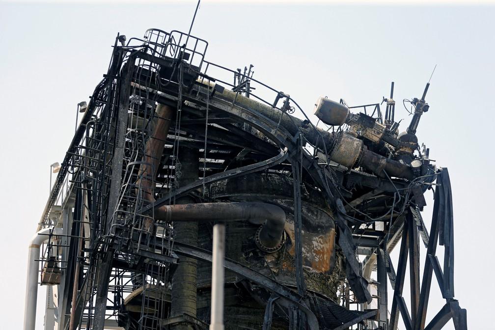 Instalação de petróleo da gigante petroleira Aramco ficou danificada em ataque em Khurais, na Arábia Saudita — Foto: Hamad l Mohammed/ Reuters