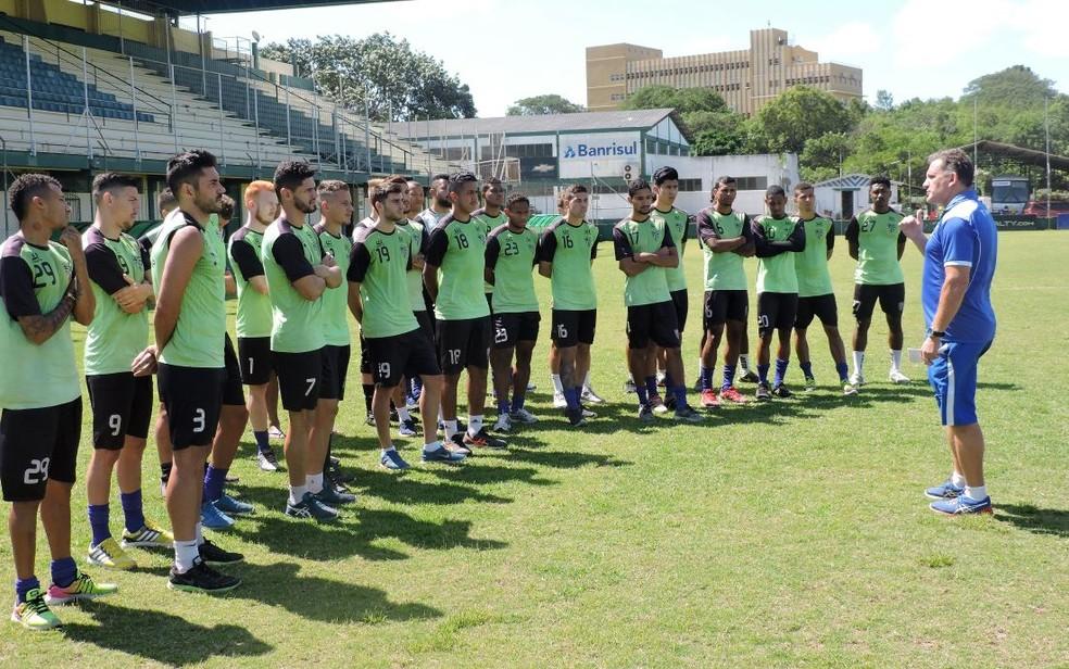 993cb8226a64a ... Treinador do Cruzeiro-RS confia em experiência contra a pressão de jogo  na Arena —