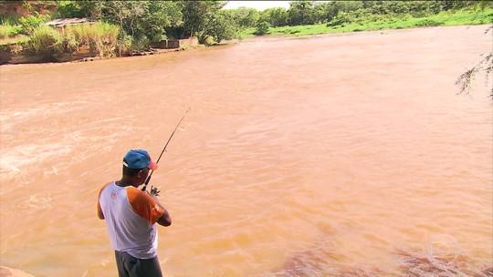 Quase três meses após tragédia em Brumadinho, ribeirinhos sofrem com a poluição