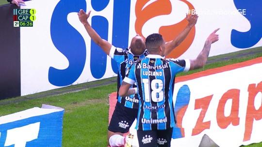 Assista aos gols, aos melhores momentos e à defesa de pênalti no Grêmio 2x1 Athletico
