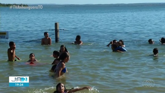 Praias de Palmas ainda têm telas de proteção danificadas quase no fim da temporada