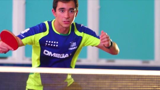 Dia de folga: Um dos melhores do mundo no tênis de mesa, Hugo Calderano se prepara para o Pan de Lima