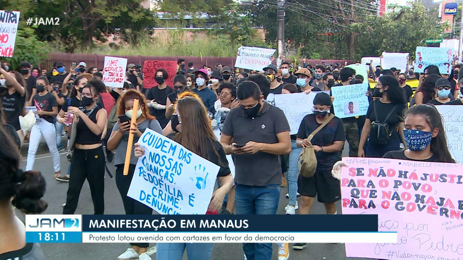 VÍDEOS: Protesto pró-democracia fecha avenida de Manaus; veja outros destaques do JAM 2