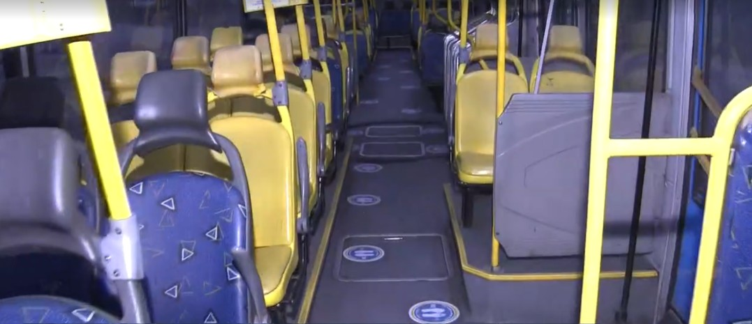 Termina prazo para empresas colocarem adesivos de distanciamento nos ônibus do Rio