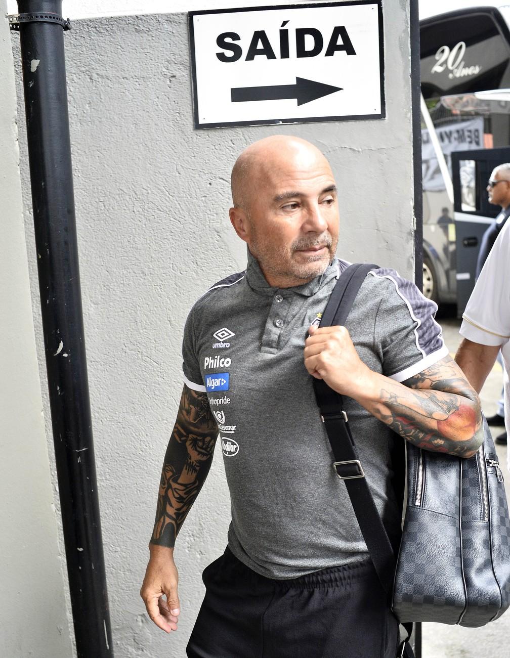 Jorge Sampaoli não é mais técnico do Santos — Foto: Marcos Ribolli