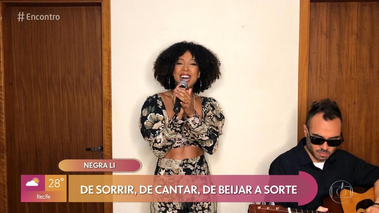 Negra Li volta ao rap com o álbum 'Raízes'