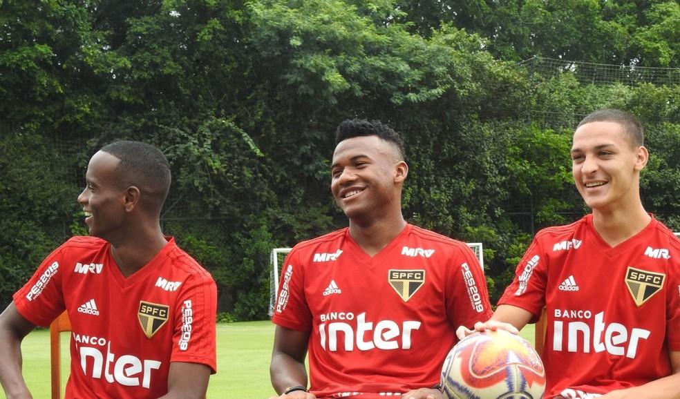 Helinho, Luan e Antony, esperanças da base do Tricolor — Foto: Marcelo Hazan
